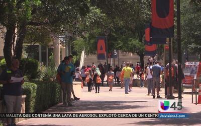 A días de implementar ley de portación de armas en universidades de Texas