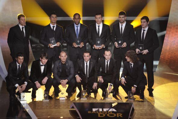 La FIFA entregó los premios a los mejores jugadores del 2010 en una gran...