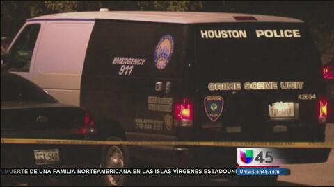 Autoridades encuentran a un hombre decapitado al interior de un auto