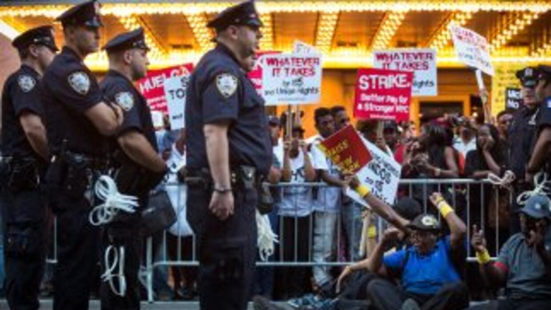 La policía de Nueva York detuvo a 19 personas durante la protesta en Tim...