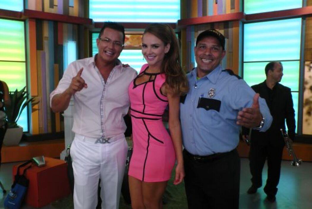 Ximena Córdoba resultó una fiel admiradora de su música y aquí la vemos...