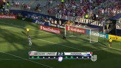 Tremenda parada!!! Fabian Johnson despeja el penalti lanzado por ${PLAYE...