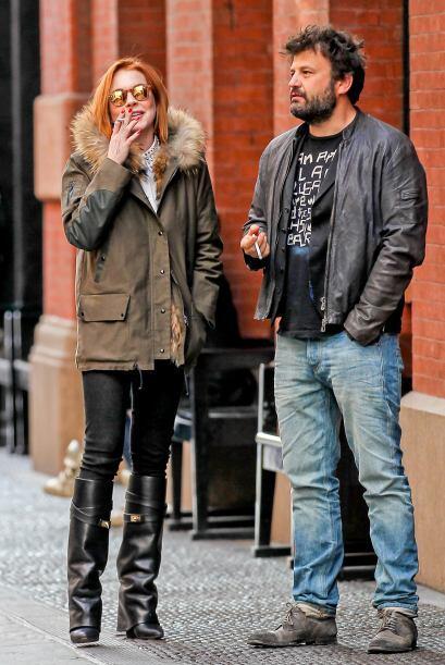 ¿Quién es ese hombre que acompaña a Lindsay?Mira aq...