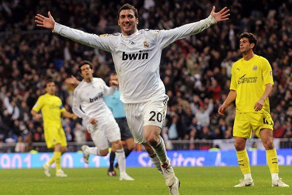 Con dos goles de Gonzalo Higuaín, el Real Madrid goleó 6-2 al Villarreal...
