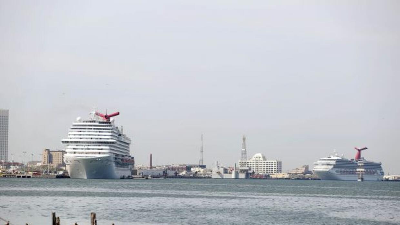 México negó la entrada a su territorio a un crucero en el que viajaba un...