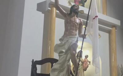 Fieles de una iglesia de Colombia aseguran que la imagen de este Cristo...