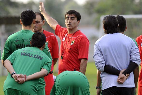 Otro argentino dirigiendo una selección, Gustavo Quinteros a cargo de Bo...