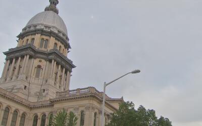 El Senado de Illinois aprueba un presupuesto completo que incluiría 37,3...