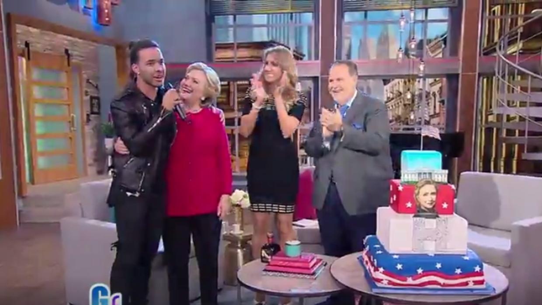 Prince Royce le cantó 'Cumpleaños feliz' a Hillary Clinton.