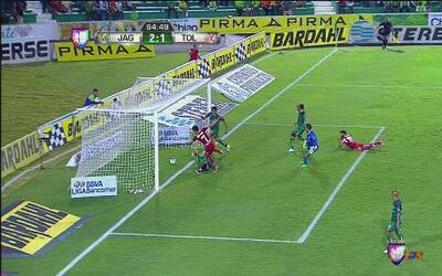 Jaguares vs Toluca: Gol en contra acorta distancia para Toluca