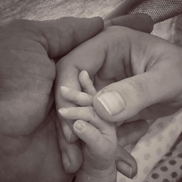 Julián Gil, Marjorie de Sousa y su bebé