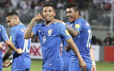 Brasil derrotó 2-0 a Perú