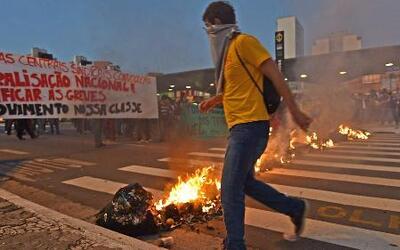 Los brasileños no apoyan los gastos exagerados del gobierno para el Mund...