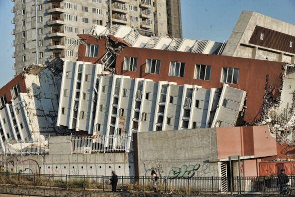 Las toneladas de escombros desaparecieron, los puertos, puentes y la car...