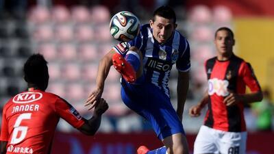El mexicano Herrera marcó el gol de la honra para los 'Dragones'.