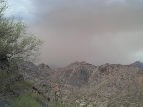 La tormenta vista desde el Piestewa Peak