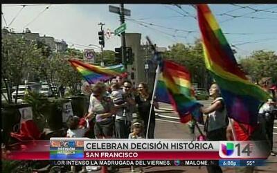 Celebran la decisión de matrimonios homosexuales