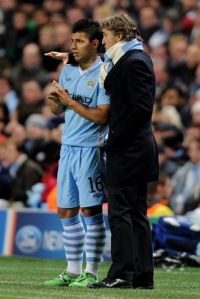 Mancini, DT del City, mandó a Sergio Aguero a la cancha. Los ingl...