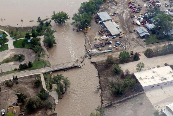 La extensa devastación cubrió varios condados. Las autorid...