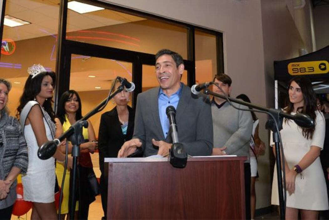 Johnny Lozada agradeció que lo nombraran padrino del campus del Florida...