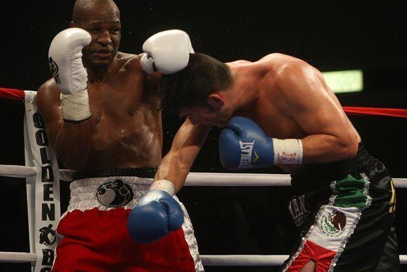 'El Ejecutor' enfrentó al mexicano Enrique Ornelas en combate de...