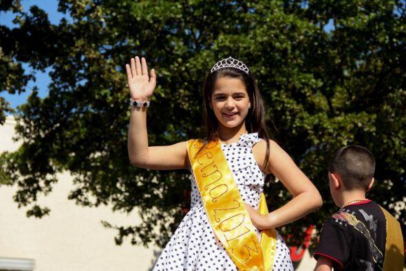 """Nuestra pequeña reina y una de las ganadoras del concurso de """"Los Reyeci..."""