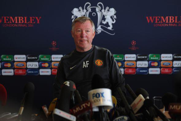 Ferguson se mantiene calmo pero confesó que ''ganar la UEFA sería un cie...
