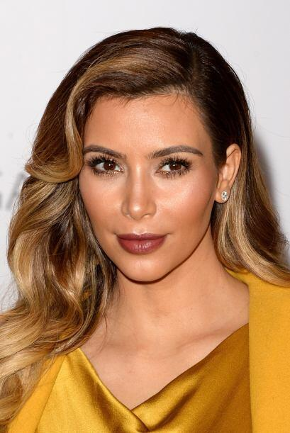 Para hacerle segunda a tu 'blush', al igual que Kim, aplica en tus p&oac...