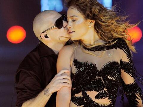 Jennifer Lopez y Pitbull elevaron nuestra temperatura este año co...