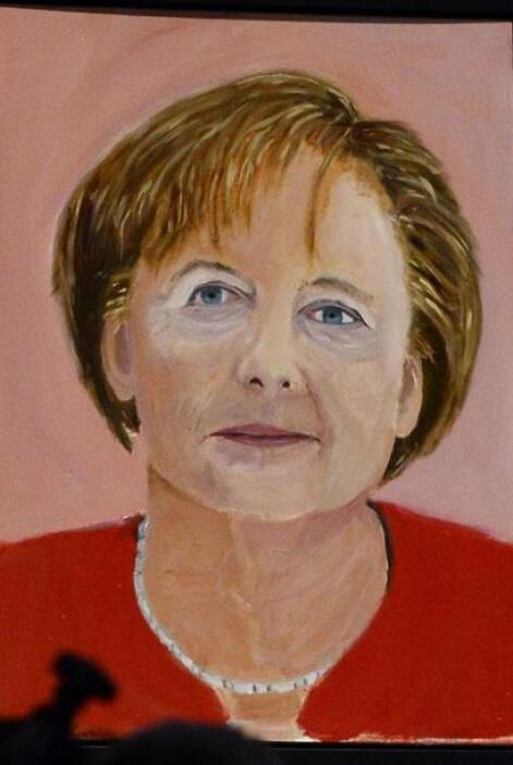 Otro de los personajes que pintó fue a la canciller alemana, Angela Merkel.