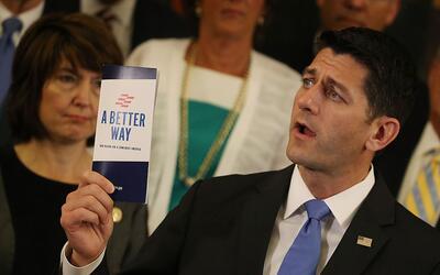 El presidente de la Cámara de Representantes, Paul Ryan, anuncia...