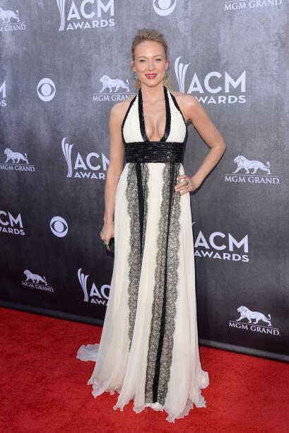 El vestido de Jewel para los Country Music Awards 2014 fue de los menos...