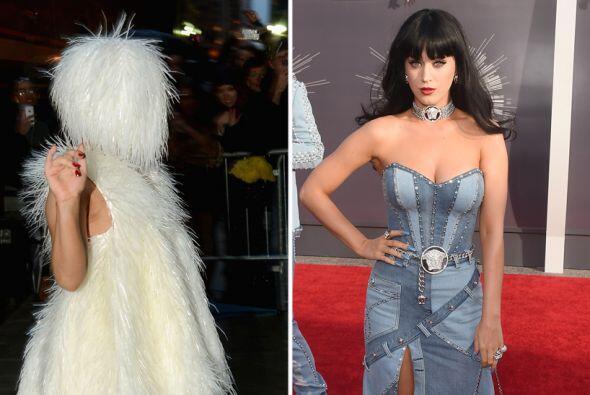 En ocasiones las celebridades nos sorprenden por lo mal que se visten, e...
