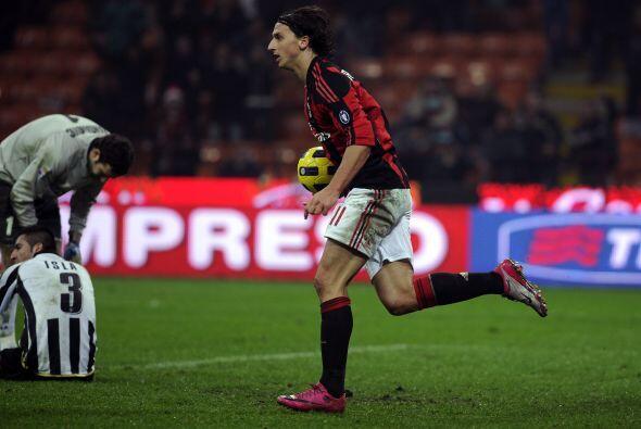 Pero Zlatan Ibrahimovic salvó al Milan con un fortuito gol para e...