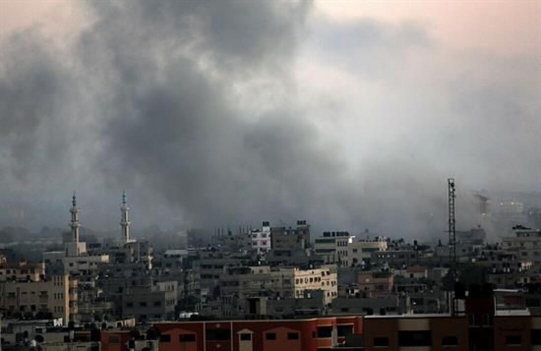 Vehículos de militantes, terrenos y granjas de Hamas también han sido bl...