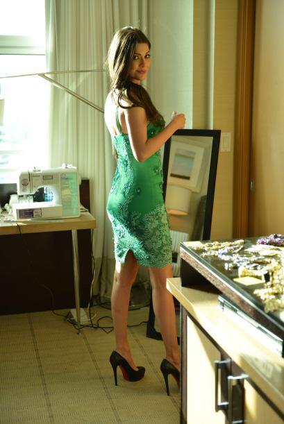 El cuarto vestido era bien colorido.
