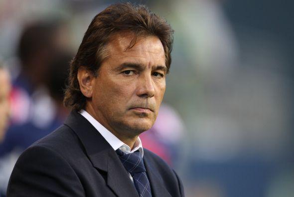 El mexicano Carlos De los Cobos es el técnico que se acerca en mayor med...