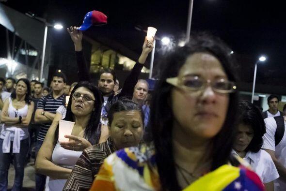 La protesta se realizó mientras el Gobierno y la oposición comenzaron un...