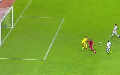Claudio Zamudio anotó el 4-0 de México luego de que Carlos Antuna dejó u...