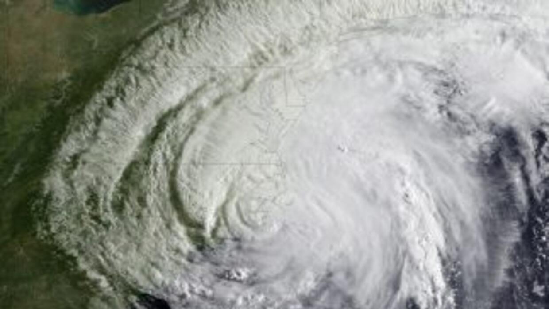 Autoridades de El Salvador pidieron a la población estar alerta debido a...