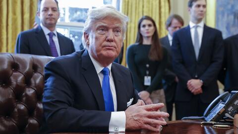 Trump insiste en que millones de personas votaron ilegalmente pero no ap...