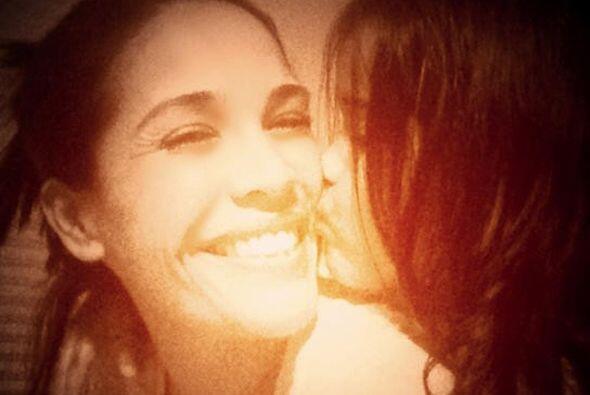 """""""#felicidadabsoluta #buildingmemories #noregrets"""", compartió Karla. (Ene..."""