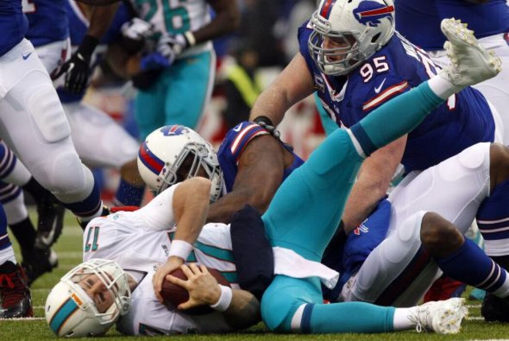 Buffalo logró siete capturas, cinco de ellas a Ryan Tannehill y Miami co...