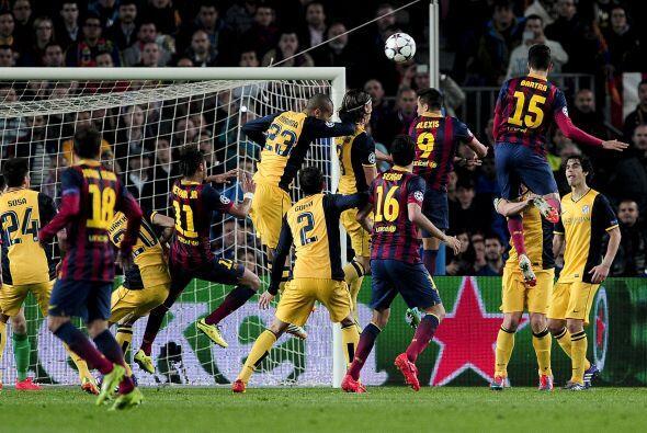 Un tiro libre de Lionel Messi pudo ser el 2-1, pero el portero Courtois