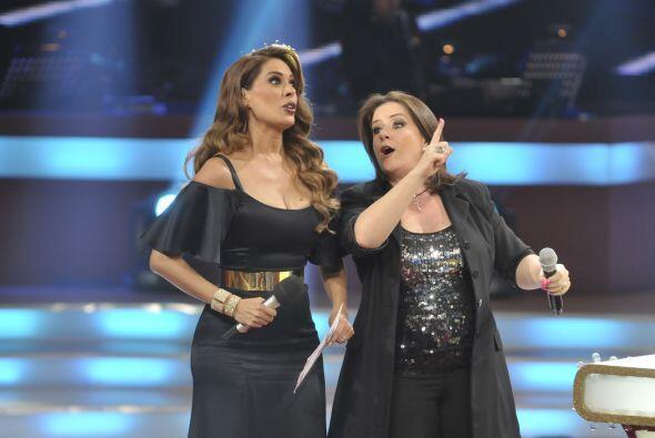 Isabel animó a Gali a cantar unos cachitos de las canciones.