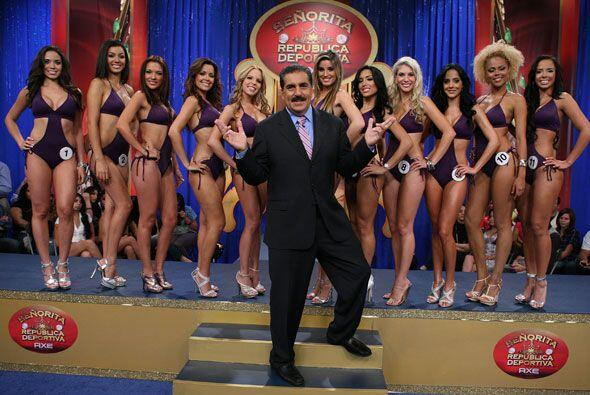 El presidente Fiore no sabía que hacer con todas las finalistas d...