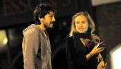Diego Luna y Suki Waterhouse en cita romántica.