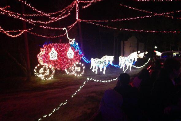 Un hermoso carruaje de luces.