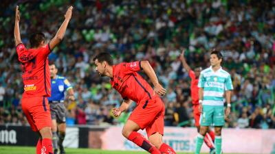 Pablo Velázquez festeja uno de sus goles.