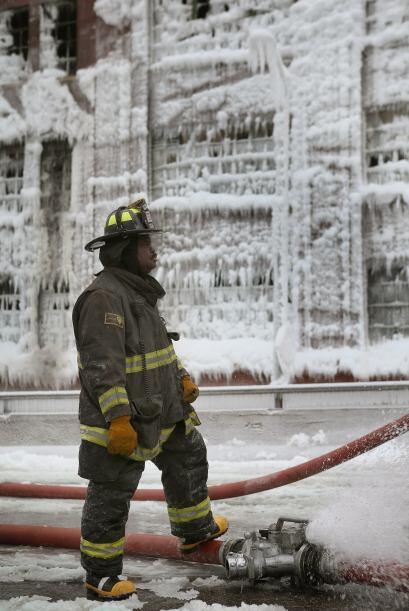 El Chicago un voraz incendio en un almacén permitió demostrar las consec...